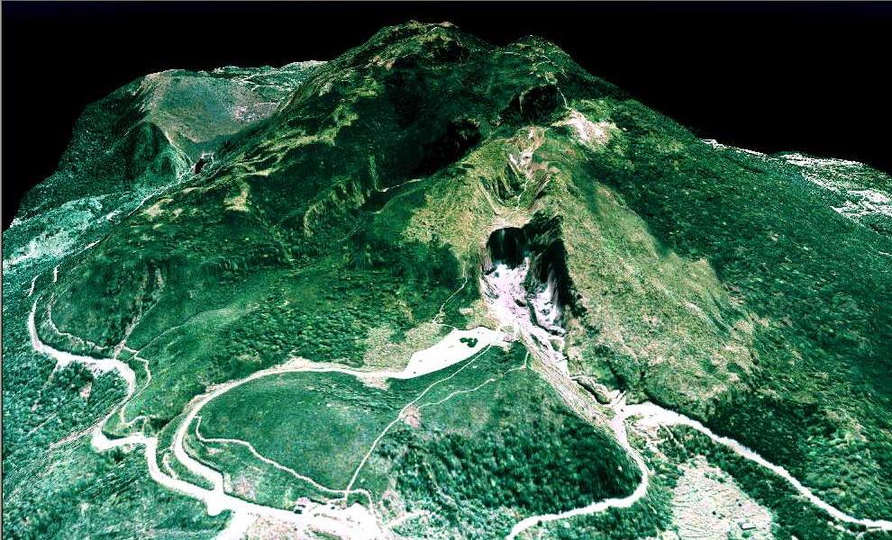 由西北方鳥瞰七星山與小油坑.jpg