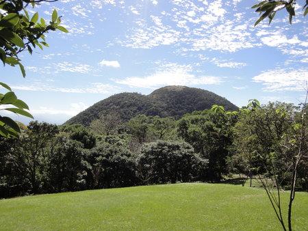 遊客中心遠眺紗帽山